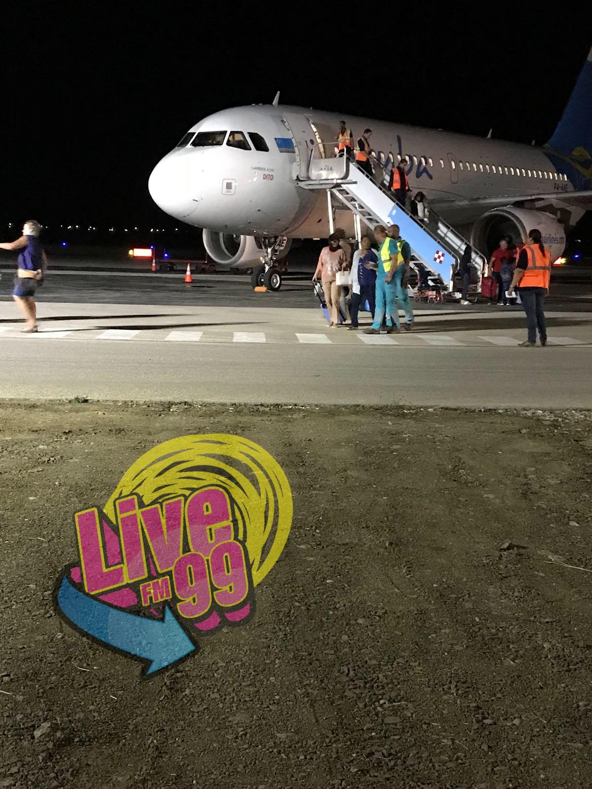 PROBLEMA DI TRAPI PA AVION DI ARUBA AIRLINES.