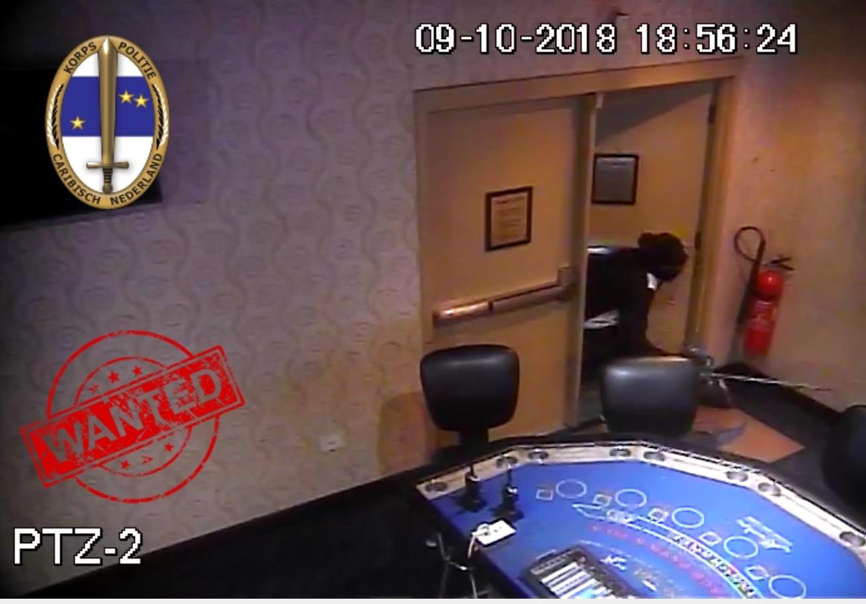 VIDEO DI ROBO DI $200.000 NA DIVI FLAMINGO CASINO