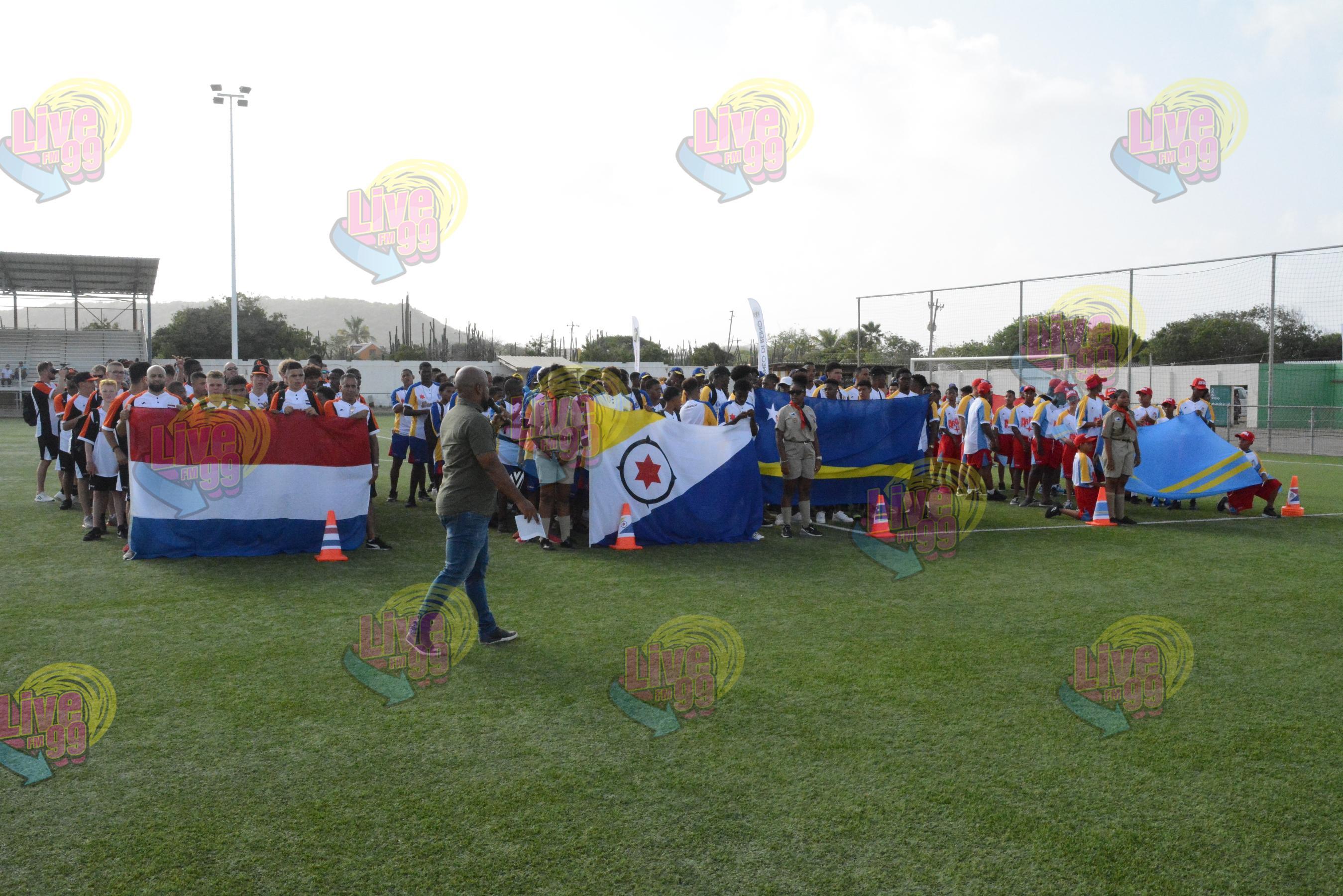 TREMENDO APERTURA TORNEO DI REINO DEN STADION ANTONIO TRENIDAT
