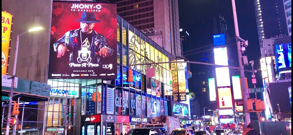 JHONY -O TU RIBA BILLBOARD NA NEW YORK