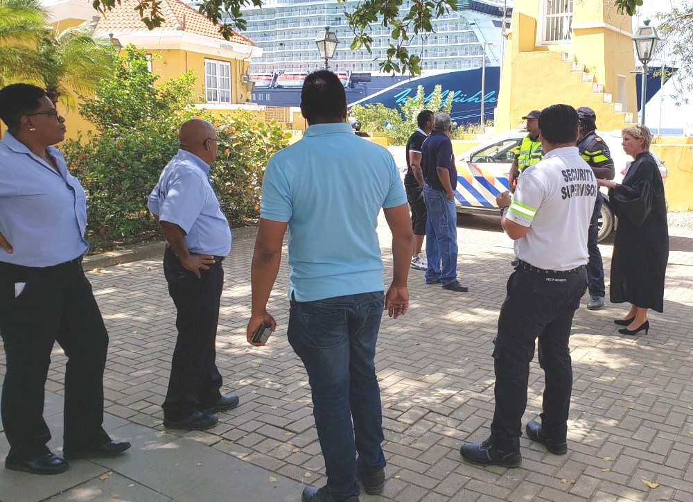 TREMENDO STRATEGIA PROFESHONAL DI POLIS