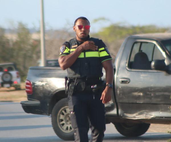 POLIS A PARTI BASTA BUT PA KOREMENTU SIN FAHA DI SEGURIDAT BISTÍ