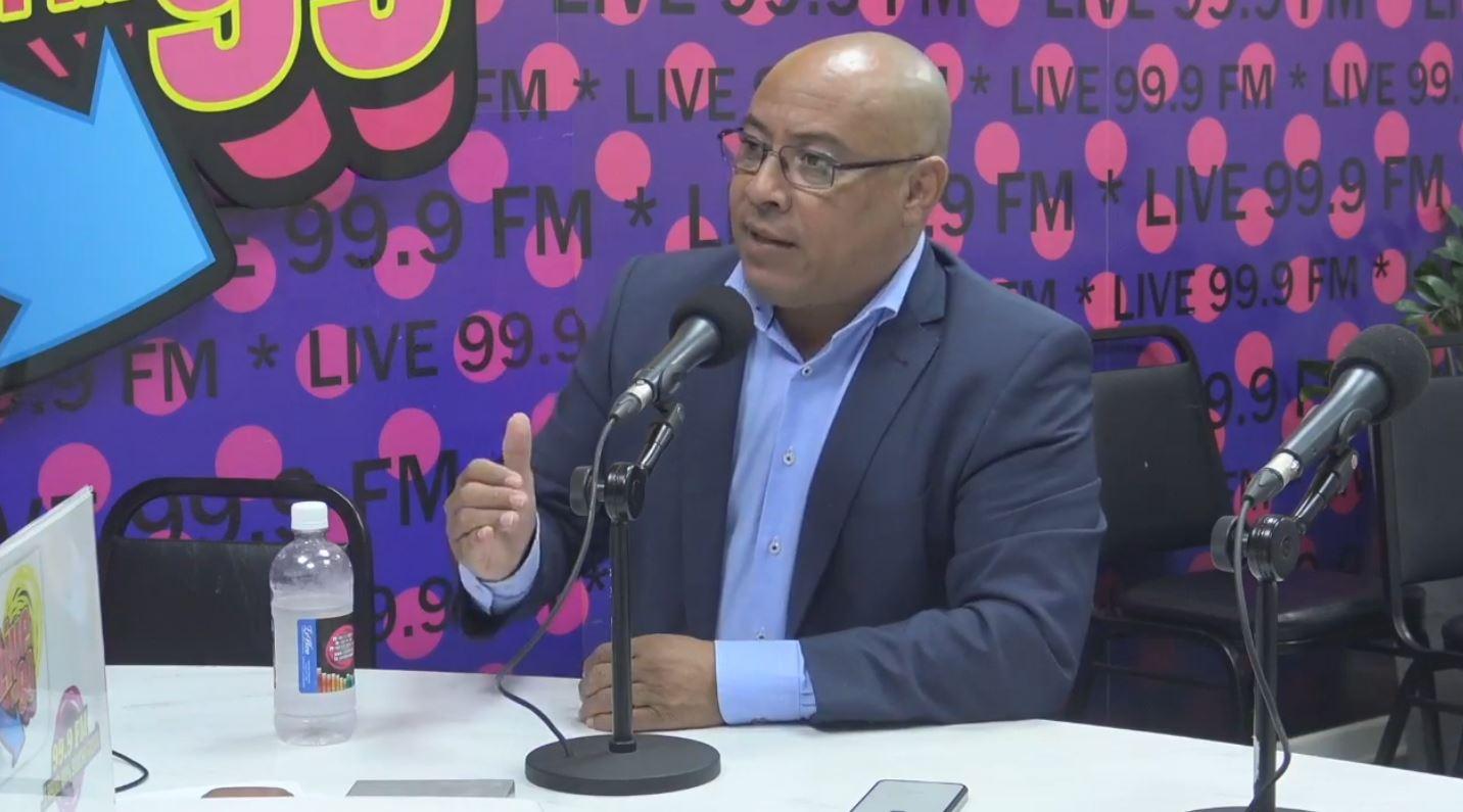 DIPUTADO ELVIS TJIN ASJOE: 'TIN DESAROYO TUMANDO LUGÁ NA AEROPUERTO BIA'