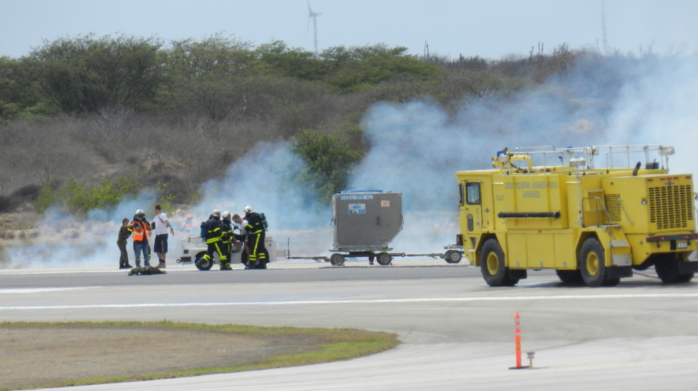 ENTRENAMENTU DI KALAMIDAT RIBA ESKALA GRANDI NA AEROPUERTO FLAMINGO