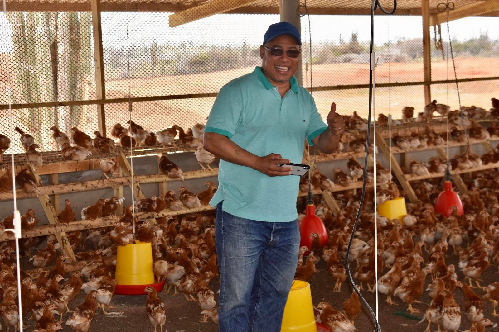 DIPUTADO ELVIS TJIN ASJOE ORGUYOSO DI UN DI NOS KOMPANIANAN LOKAL PUNTA BLANCU FARMS N.V.