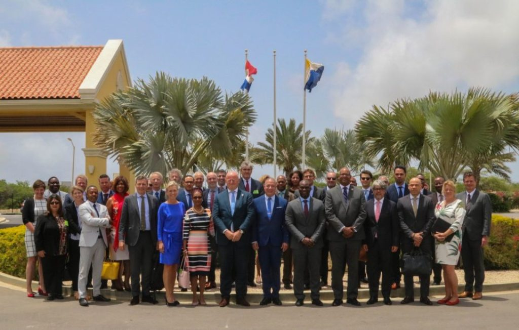 KONSULTA KONSTRUKTIVO MINISTERNAN DI HUSTISIA HULANDA, ARUBA, KÒRSOU I ST MAARTEN