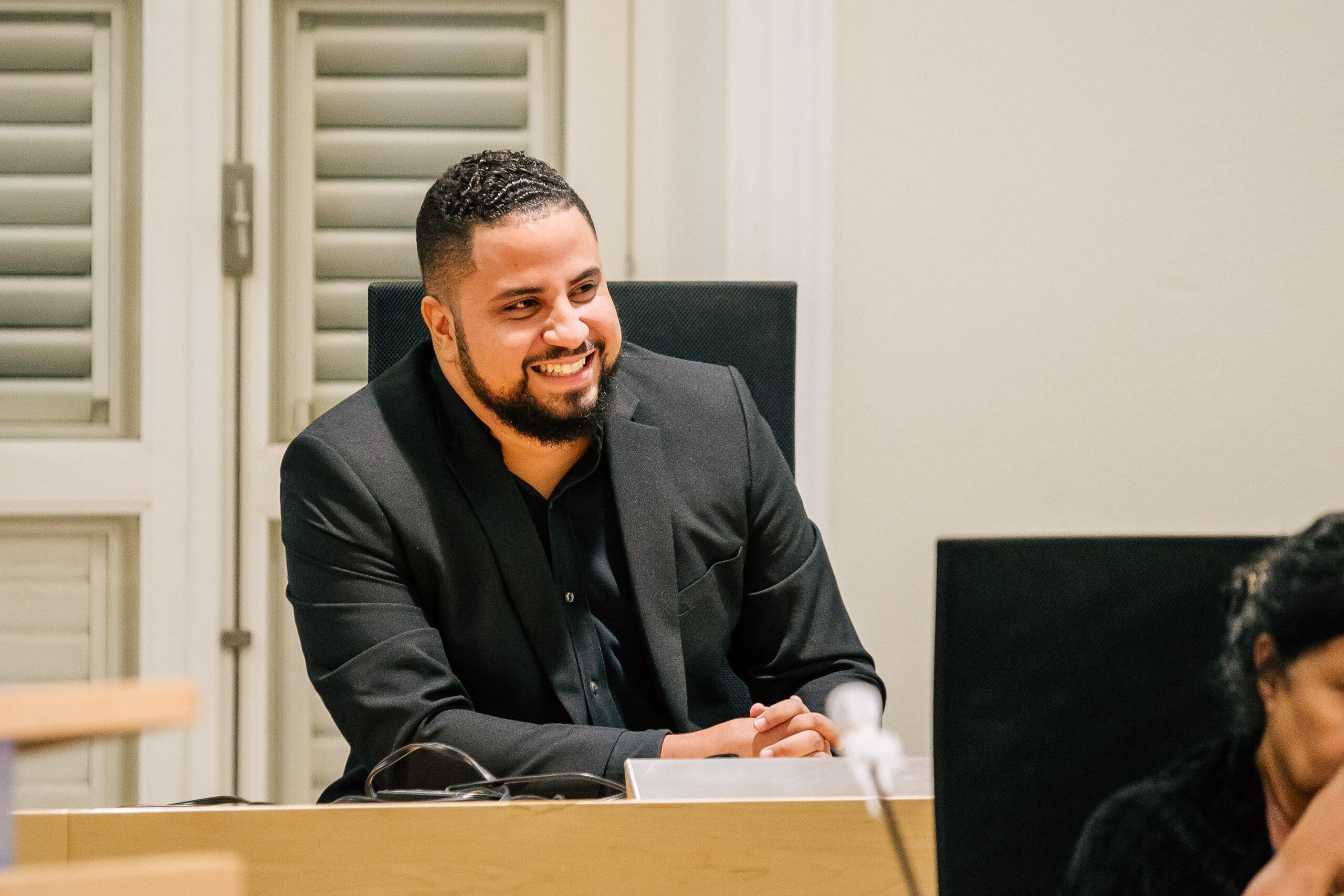 DIPUTADO THIELMAN: PREOKUPASHON TOKANTE KAPASIDAT DI PRODUKSHON DI WEB